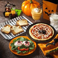 Halloween Meal Ideas & Instructions.  Toasted ghosts & spider web pizza.