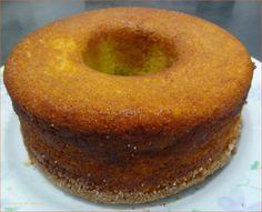 Parece, mas não é! Imagine o sabor de um bolo de milho fresquinho……, pois é…não é! Com essa seca e esse calor, as espigas de milho não estão tão suculentas, então fiz um bolo com a farinha de milho, cremosinho por dentro, para aquele cafezinho da tarde, hummmm, não tem igual! Tenho essa receita há …