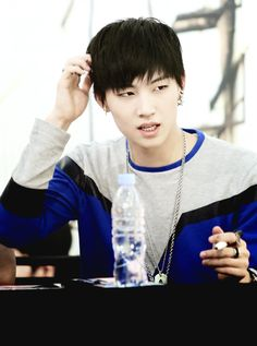 photo hot-JB-got7-37613094-500-672_zps0e34956c.png
