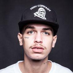 """A marca brasileira High Company recentemente entregou para o mercado sua mais nova coleção, batizada de """"High15″, com uma campanha que conta com nomes do rap carioca contemporâneo. O snapback """"Reaper""""..."""