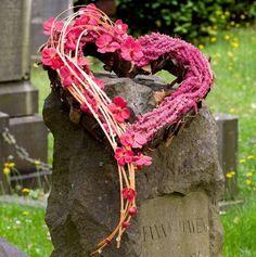 Benodigdematerialen: Open hart van steekschuim  Hart van steekschuimdie zijn er is verschillende maten en open of gesloten vorm. Er zijn ...