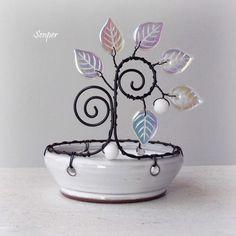 Mrazivé světýlko / Zboží prodejce Senper | Fler.cz Wire Hanger Crafts, Wire Crafts, Clay Crafts, Nifty Crafts, Creative Arts And Crafts, Stylo 3d, Copper Wire Art, Princess Crafts, Wire Ornaments