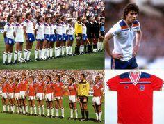 A Copa de 1982 foi a primeira em que a marca ficou evidente na camisa (Foto: Football Shirts UK)