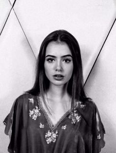 Lily Collins looks so gorgeous here! I am very envious of her eyebrows!