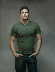David Boreanaz- I find him handsome because I love his character as Agent Booth on Bones.