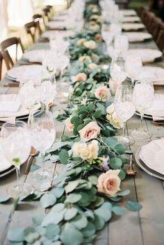Hochzeitstischdeko Ideen - Romantischer Tafelaufsatz #weddingdecoration