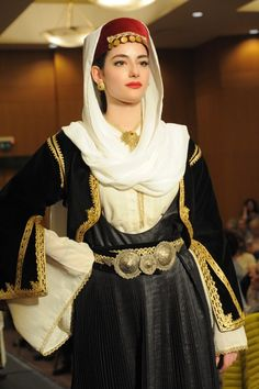 Folk Costume, Costumes, Beauty Around The World, Black Sand, In Ancient Times, Ancient Egypt, Traditional Outfits, Beautiful People, Greece