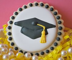 Items similar to Graduation Cap Decorated Sugar Cookies on Etsy - emely Fancy Cookies, Iced Cookies, Cut Out Cookies, Cute Cookies, Royal Icing Cookies, Cupcake Cookies, Sugar Cookies, Cookies Et Biscuits, Graduation Desserts