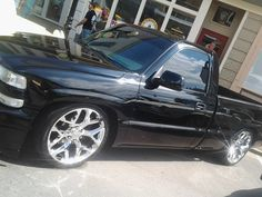 SHOW & SHINE DISCUSSION - Lowered on - Does anyone have a chevy truck lowered on Is there any tire clearance issues? New Chevy Truck, Chevy Trucks Lowered, Custom Chevy Trucks, Classic Chevy Trucks, New Trucks, Cool Trucks, 2000 Chevy Silverado, Silverado Truck, Chevy 1500