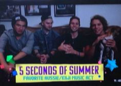 5sos won a kca for best AUS/KIWI award. OMG, MY LITTLE KIWI!♡♡♡