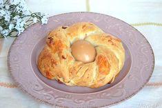 Corone di casatiello, scopri la ricetta: http://www.misya.info/2014/04/05/corone-di-casatiello.htm