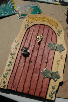GREAT TUTORIAL AND INFO! Good Fairy Door to put onto tree trunk
