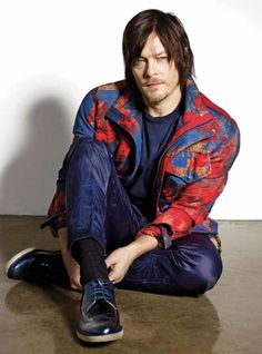 http://wpc.4d27.edgecastcdn.net/004D27/2014/Magazines/NormanReedusNylonGuysMagazineMarch2014/Norman-Reedus-Nylon-Guys-Magazine-March-2014-Tom-Lorenzo-Site-TLO-2.jpgからの画像
