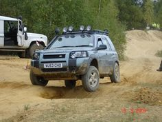 Land Rover Freelander, Toyota Hilux, Cool Cars, Land Rovers, Vehicles, Car Stuff, Jeeps, Rigs, Motors