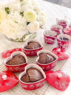 Valentine's Day Heart Brownie Sundae Party #browniesundae #browniesunday #sundaerecipe #valentinesideas #valentinesparty #valentinesday #galentinesparty #galentinesday #galentinesdayparty #valentinesdayparty #brownierecipe #brownies #bakingrecipe #partyrecipe #valentinesrecipe #happyheartday #baker #ramekin #ramekins
