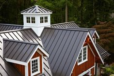 Best Metal Roof Houses Modern Metal Roofing Vs Shingles 400 x 300