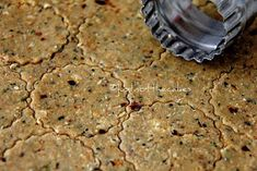 Oat Crackers With Freshly Grounded Indian Spices Oat Crackers Recipe, Healthy Crackers, Homemade Crackers, Savory Snacks, Healthy Treats, Healthy Baking, Savoury Recipes, Donut Recipes, Fudge Recipes