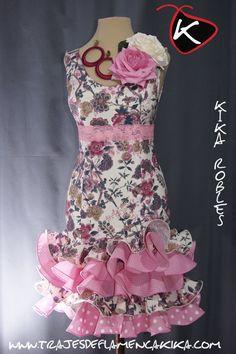 Mis diseños exclusivos hechos artesanalmente de trajes de flamenca. Creando nuestro propio estilo