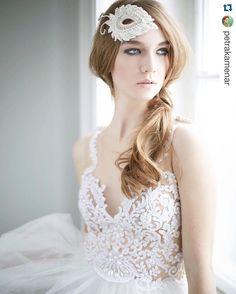 Vestido Solaine Piccoli e headpiece @nielyhoetsch #marryandme.at #nielyhoetschheadpiece #solainepiccoli #weddingdress#bride #handmade #feitoamao @petrakamenar
