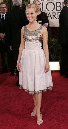 Reese Witherspoon in Vintage Chanel - Golden Globes 20015
