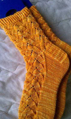 Monkey pattern by Kristine Kuluka Crochet Socks, Knit Or Crochet, Knitting Socks, Hand Knitting, Knit Socks, Knitting Patterns Free, Knit Patterns, Monkey Pattern, Patterned Socks