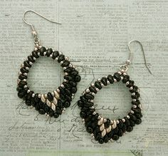 Linda's Crafty Inspirations: Mini Rondo Earrings - Jet with Gold & Silver Bead Jewellery, Seed Bead Jewelry, Seed Bead Earrings, Beaded Earrings, Jewelery, Beaded Bracelets, Seed Beads, Silver Earrings, Super Duo Beads