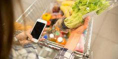 Μπορεί πλέον τα απολυμαίνουμε τα πάντα μέσα στο σπίτι, τι γίνεται όμως με τα ψώνια από το σούπερ μάρκετ;  | ΖΩΗ | iefimerida.gr | ψώνια, σούπερ μάρκετ, Βίντεο, viral, απολύμανση Health Diary, Celery, Sprouts, Cabbage, Vegetables, Food, Essen, Cabbages, Vegetable Recipes