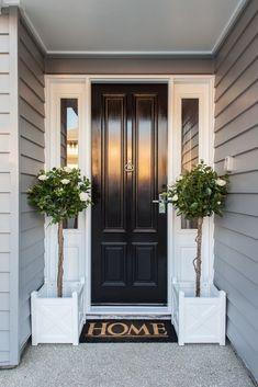 70 Best Modern Farmhouse Front Door Entrance Design Ideas 59 – Home Design Design Entrée, Door Design, House Design, Design Ideas, Design Exterior, Exterior House Colors, Exterior Paint, Front Door Entrance, House Entrance