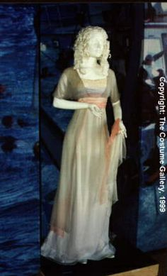 Real swim sink gown from #Titanic, #Rose