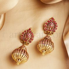Side View #1 Gold Jhumka Earrings, Jewelry Design Earrings, Gold Earrings Designs, Indian Earrings, Gold Jewellery Design, Indian Jewelry, Diamond Jewelry, Silver Jewellery, Beaded Jewelry