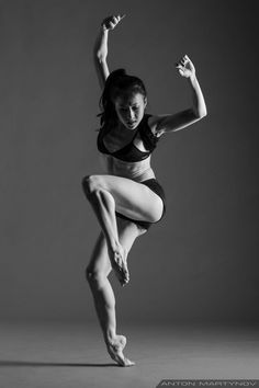 Danseuse Yin Yue. Photo by Anton Martynov. Style contemporain.