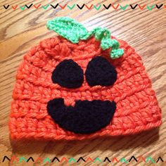 Celebrate this fall with an adorable hat for your little pumpkin!