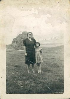 Grandma McCullough (R) and G-Grandma Simpson (L) 1940