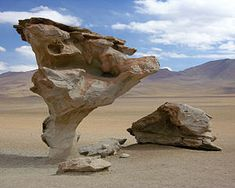 This seven metre natural rock sculpture was carved by aeolian (wind) erosion in Bolivia's Reserva Naccional de Fauna Andina Eduardo Avaroa. Bolivia Travel, Colombia Travel, Peru Travel, Lonely Planet, Rock Chic, Weathering And Erosion, Formations Rocheuses, Rock And Roll, Guatemala