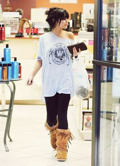 I like this lazy outfit, just my style <3 The boots are to die for.