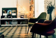 Without doubt, the Organic Chair by Charles Eames & Eero Saarinen is an absoute design classic.