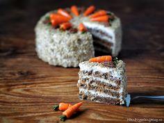 Mrkvovo-ořechový dort – PĚKNĚ VYPEČENÝ BLOG Krispie Treats, Rice Krispies, Ricotta, Cupcakes, Sweet, Blog, Pineapple, Candy, Cupcake Cakes