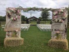 Ceremony, so pretty!