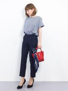 きれいめカジュアルスタイル ;) Casual Work Outfits, Mom Outfits, Office Outfits, Work Attire, Work Casual, Office Wear, Japan Bag, Minimalist Fashion, Work Wear