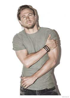 Charlie Hunnam Covers Mens Health December 2014 Issue, Talks Working Out image Charlie Hunnam Mens Health December 2014 Photo Shoot 002