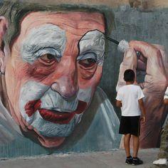 Faut-il maquiller la vie pour la trouver drôle ? / The old sad clown. / Le vieux clown triste. / By Dazer Ramirez Guzman, Jd, 2012.