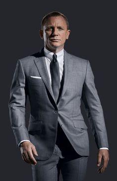 james bond en costume gris anthracite