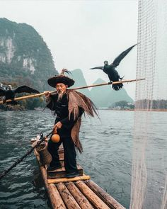 Learn the Story Behind This Photo of a Cormorant Fisherman in China China Travel Destinations Honeymoon Backpack Backpacking Vacation Asia Laos, In China, Trekking, Old Fisherman, Voyager Loin, Fishing Techniques, Destination Voyage, Blog Voyage, Travel Photographer
