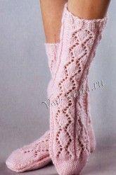 Розовые ажурные носки спицами