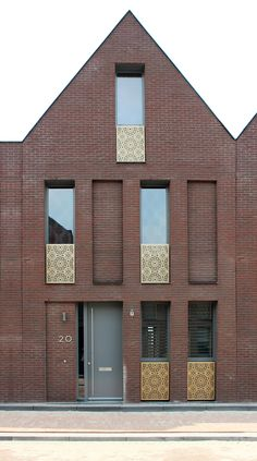 """ZEEUWS HOUSING Waterstad Goese Schans The recently completed housing scheme by Rotterdam based pasel.kuenzel architects is part of the urban masterplan """"Waterstad Goese Schans"""" by West Located. Brick Architecture, Residential Architecture, Contemporary Architecture, Architecture Details, Interior Architecture, Brick Detail, Brick Facade, Brick Building, Facade Design"""