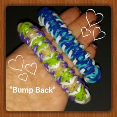 This is my own original design created using 5 pins on the Rainbow Loom. It requires approx. 200 bands and 2 c clips to make. Rainbow Loom Tutorials, Rainbow Loom Patterns, Rainbow Loom Creations, Rainbow Loom Bands, Crazy Loom Bracelets, Loom Band Bracelets, Rainbow Loom Bracelets, Rainbow Loom Christmas, Loom Band Patterns
