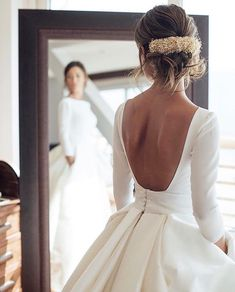 Wedding Gown - Buy Ball Gown Long Sleeve Backless Ivory Wedding Dresses Long Cheap Bridal Dresses in uk.Shop our beautiful collection of unique and convertible long Prom dresses from PromDress.me.uk,offers long bridesmaid dresses for women in the UK. Lace Wedding Dress, Wedding Dress With Pockets, Wedding Dresses 2018, Classic Wedding Dress, Long Sleeve Wedding, Ivory Wedding, Bridal Dresses, Winter Wedding Dresses, Hair Wedding