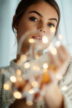 61 Trendy Self Portrait Photography Christmas Fairy Light Photography, Christmas Photography, Tumblr Photography, Girl Photography Poses, Winter Photography, Photography Backgrounds, Photography Lighting, Photography Business, Photography Gloves