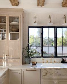 Creative Small kitchen renovation budget tips,Kitchen remodel store tricks and Kitchen layout design help. Home Decor Kitchen, Kitchen Interior, New Kitchen, Home Kitchens, Kitchen Ideas, Kitchen Inspiration, Kitchen Layout, Rustic Kitchen, Kitchen Modern