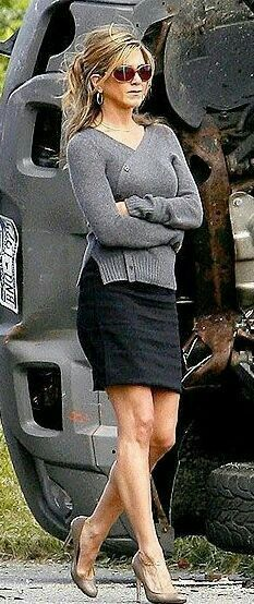 Jennifer Aniston Jennifer Aniston Style, Jenifer Aniston, World Most Beautiful Woman, Gorgeous Women, John Aniston, Rachel Green, Jennifer Connelly, Hot High Heels, Great Legs